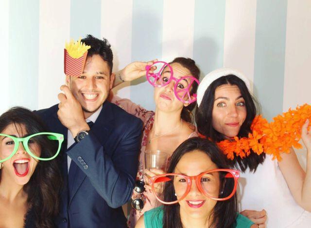 Regala RISAS y DIVERSIÓN con #tufotomatondeboda  #fotomaton #foto #photobooth #photocall #boda #bodas #mecaso #miboda #Madrid #risasydiversion #fiesta #barralibre #recuerdos #detalles