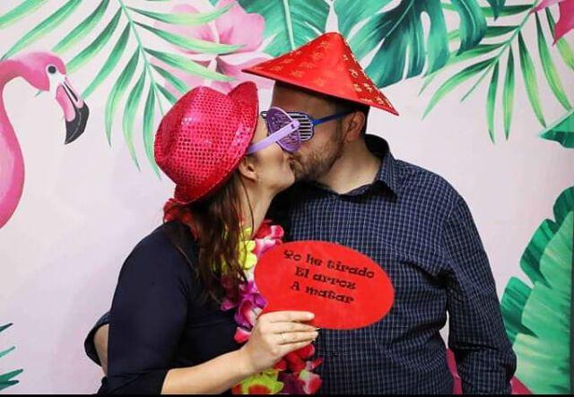 Muy contentos de compartir un año más esta gran cena de #sanvalentin de @inbodas con todas nuestras #parejas  Regala #risas & #diversión con #tufotomatondeboda  #photobooth #novios #party